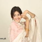 Sajal Ali Wallpaper 1