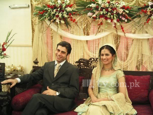 Fawad Khan Wedding Picture with Wife Sadaf Khan 181