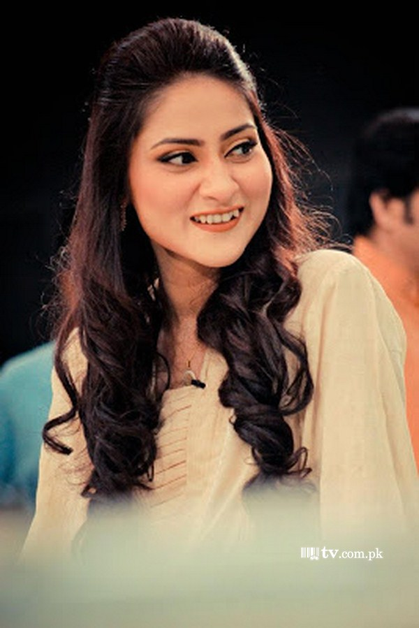 Sana askari tv actress pakistan 10 - Showbiz Competition March 2014