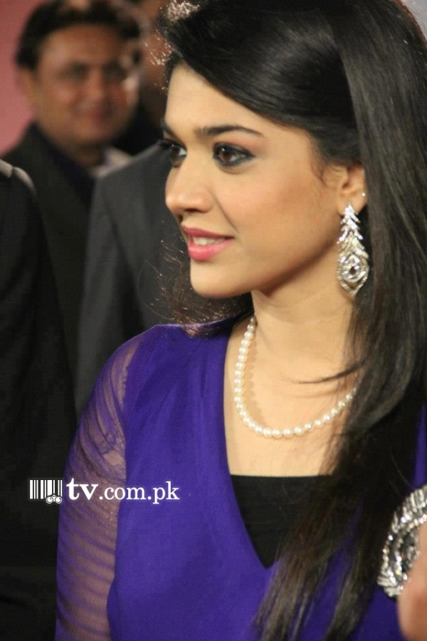 Sanam Jung as Sila in Dil e Muztar Exclusive Picture 677