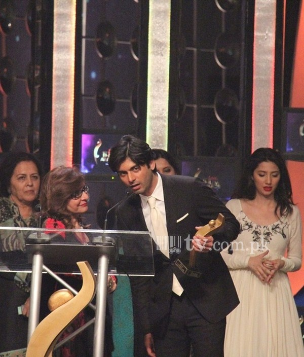 Fawad Afzal Khan and Mahira Khan at 1st Hum Tv Awards