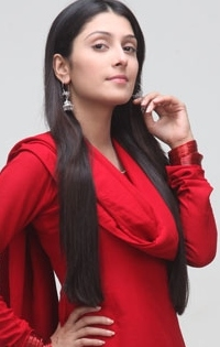 Ayeza Khan Tvshows and list of upcoming tv shows
